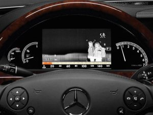 Mercedes-Benz_S_Class_2012_800x600_wallpaper_39